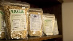paquetes de quinoa en grano