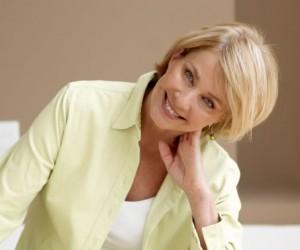 mujer 50 años sonriendo