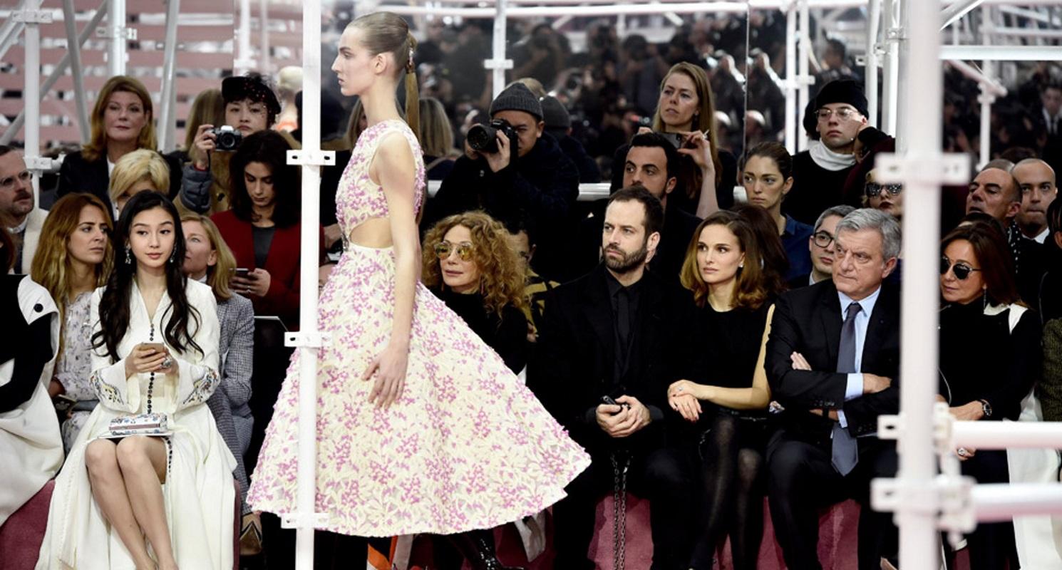 Coleta, la Alta Costura de Dior la reinventa