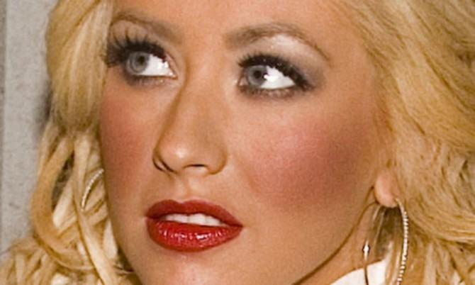 Christina Aguilera con exceso de colorete