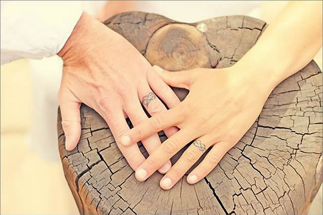 Tatuajes de compromiso, tendencia entre las parejas