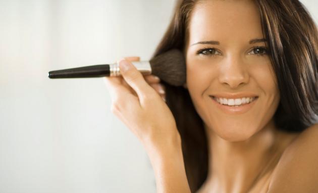 Cómo Maquillar una Piel Grasa sin que los brillos arruinen tu look